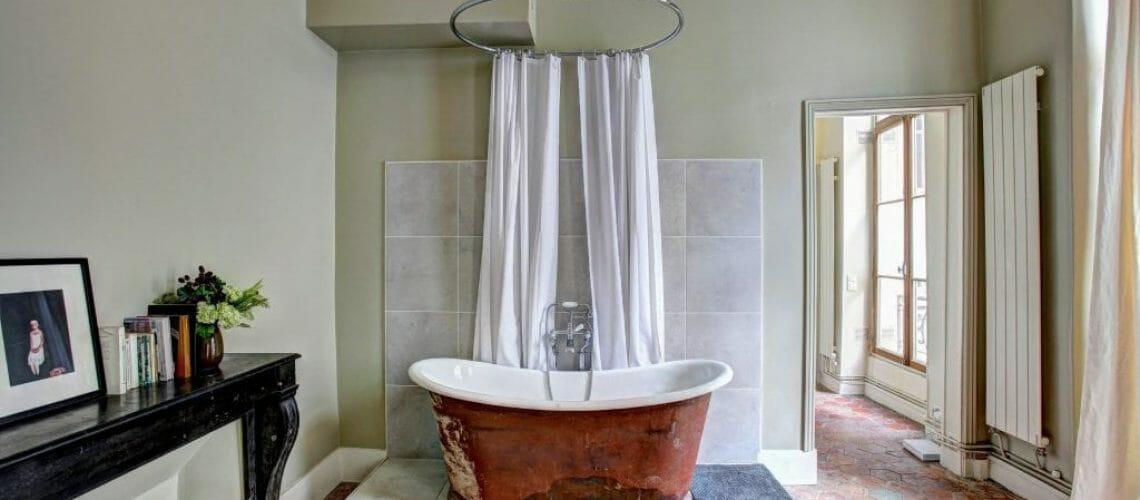 Bathrooms-min